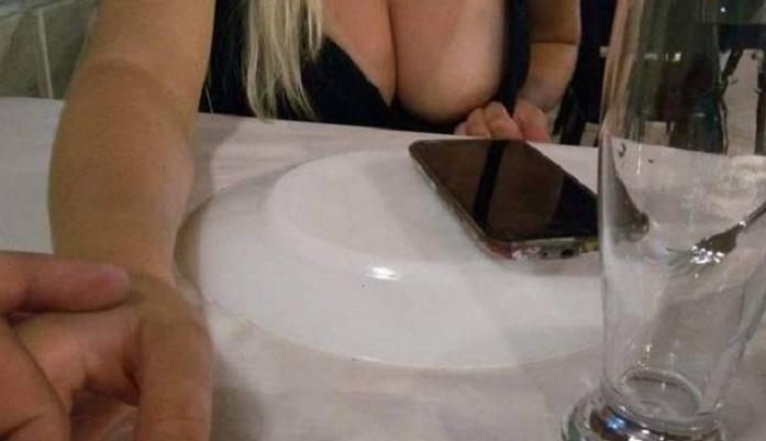 Esposa mostrando a bucetinha
